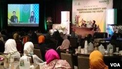 """Tema Muktamar tahun ini terfokus pada """"Potensi Pemuda Islam dalam menghadapi Tantangan Global, khususnya di Amerika"""". (VOA/Naratama)"""