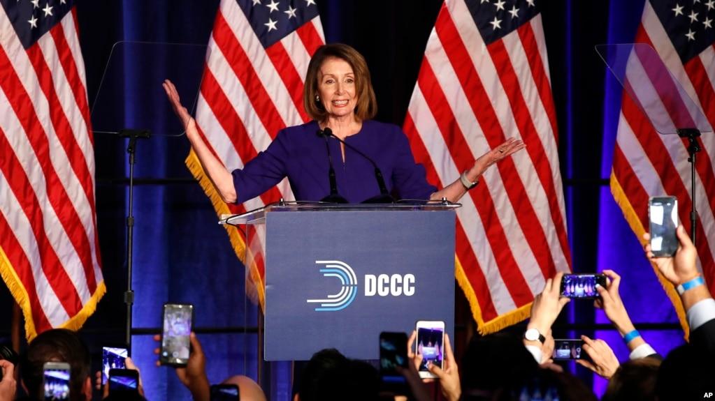 Bà Nancy Pelosi là phụ nữ đầu tiên làm Chủ tịch Hạ viện Mỹ