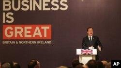 PM Inggris David Cameron berbicara di depan para pemimpin bisnis di Mumbai, India hari Senin (18/2).