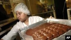 El chocolate contiene los llamados flavanoles, sustancias químicas antioxidantes.