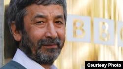 """Hamid Ismoilov uzoq yillar """"BBC"""" teleradiokanali o'zbek xizmatini boshqargan."""