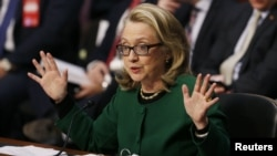 美國國務卿希拉里.克林頓星期三在國會作證