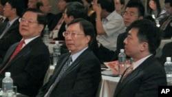 两岸文化首长聚首 (左起)中国文化部长蔡武、台湾文化总会会长刘兆玄、台湾文建会主委盛治仁