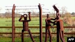 Almanlar tarafından köle işçi olarak çalıştırılan savaş tutsakları için Ladelund yakınlarında inşa edilen anıt