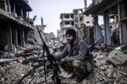 """""""Assad nizoni muzokara orqali hal qilishga xayrixoh"""" Nasiba Tohir lavhasi"""