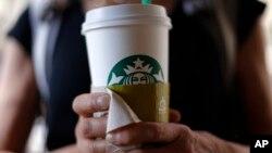 Precios por el café mediano y grande, conocidos como Grande y Venti, respectivamente, subirán entre 10 y 15 centavos.