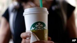 Starbucks melaporkan penjualan mereka naik 7 persen dalam kuartal pertama tahun ini di Amerika (foto: dok).
