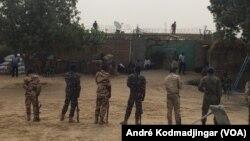Siège de la maison d'arrêt de N'Djamena, au Tchad, 3 mars 2018. (VOA/André Kodmadjingar)