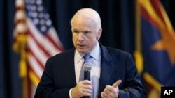 Thượng nghị sĩ Cộng hoà John McCain.