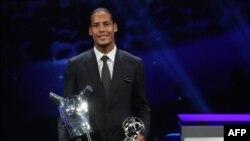 Virgil van Dijk a reçu son prix de meilleur joueur UEFA, Monaco, le 29 août 2019.