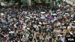香港市民星期天继续抗议