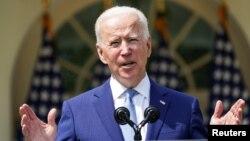 Perezida Joe Biden atangaza amategeko yafashe ku bwicanyi bukorwa muri Amerika hakoreshejwe Inkoho, White House i Washington, kw'itariki ya 4-8-2021