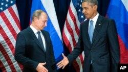 Un saludo forzado entre los presidentes Obama y Putin en Nueva York.