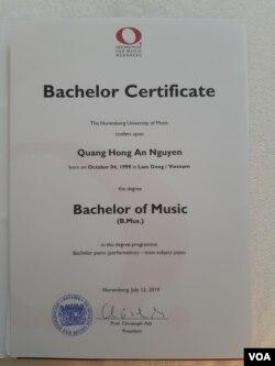 Bằng tốt nghiệp của Nguyễn Quang Hồng Ân. (Hình: Nguyễn Quang Hồng Ân cung cấp)