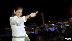 Entre los años 2002 y 2006 fue diputada, y en el gobierno de Oscar Arias, su predecesor, ocupó la primera vicepresidencia y el ministerio de Justicia.
