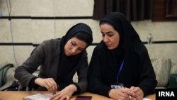تاکنون در همه ادوار مجلس تعداد نمایندگان زن با نقشآفرینی موثر زنان ایرانی متناسب نبوده است.