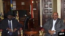 Президент Південного Судану Сальва Кіір і президент Судану Омар Башир (Джуба, квітень 2011)