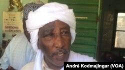 Gamar Assileck ancien ministre et cadre du parti au pouvoir, à N'Djamena, le 29 décembre 2019. (VOA/André Kodmajingar)