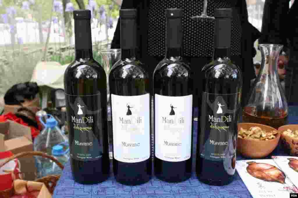 """""""მანდილი"""" ახალი ღვინის ფესტივალზე"""