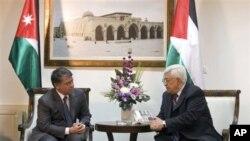 Mfalme Abdullah wa Jordan, (kushoto), na rais Mahamoud Abbas wa Palestina mjini Ramallah ukingo wa Magharibi.
