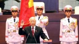 TBT ĐCSVN Nguyễn Phú Trọng tuyên thệ nhậm chức chủ tịch nước Việt Nam, 23/10/2018.