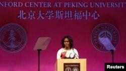 Michelle Obama dijo que los países son más prósperos cuando las voces y opiniones de todos pueden escucharse.