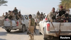 Irak ordusu ve Şii milisler, hafta başında IŞİD'in eline geçen Ramadi kenti yakınlarına konuşlandırılıyor. (arşiv)