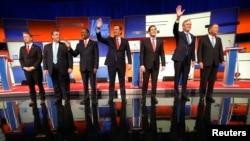 Các ứng viên đảng Cộng Hòa trong cuộc tranh luận tại Des Moines, bang Iowa, ngày 28/1/2016.