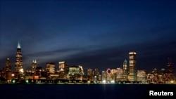 Vue de la ville de Chicago de nuit, 2001.
