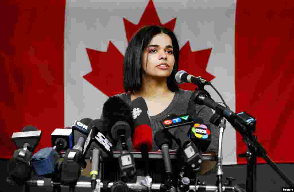 Rahaf Mohammed al-Qunun, an 18-year-old Saudi woman who fled her family, speaks at the COSTI Corvetti Education Center in Toronto, Ontario, Canada.