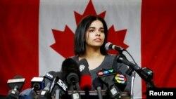 Rahaf Mohammed al-Qunun, cô gái người Ả rập Xê út rời bỏ gia đình, phát biểu tại Trung tâm Giáo dục COSTI ở Toronto, Ontario, Canada, ngày 15 tháng 1, 2019.
