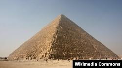 Pyramide de Gizeh en Egypte.
