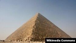 埃及吉萨大金字塔