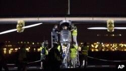 El Solar Impulse tiene el tamaño de un jumbo jet y está equipado con 12.000 celdas solares.