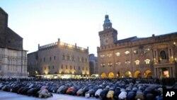 اٹلی میں مساجدکی تعمیر میں اضافے کا مطالبہ
