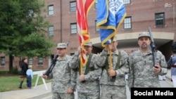 نذار زاکا نفر سمت راست با لباس ارتش آمریکا