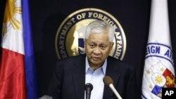Ngoại trưởng Philippines, Albert del Rosario nói Ngoại trưởng Nhật đưa ra cam kết hỗ trợ cho Philippines trong cuộc hội đàm tại Manila, Philippines, hôm 10/1/13