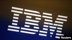 洛杉矶一个电脑屏幕上的IBM标志(2016年4月22日 资料图片)