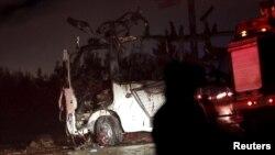 طالبان گفته بخاطر برنامه های ضد طالبان به این مینی بوس حمله کرده است.