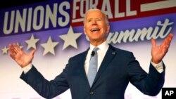 ARCHIVO - El exvicepresidente de EE.UU. y precandidato presidencial demócrata Joe Biden habla en la Cumbre SEIU Unions for All, el viernes 4 de octubre de 2019, en Los Angeles. AP/Ringo H.W.Chiu.