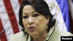 Bà Sotomayor là Thẩm phán gốc Mỹ Latinh đầu tiên và là người phụ nữ thứ ba được bổ nhiệm làm Phó Thẩm phán của Tòa án Tối cao Hoa Kỳ. REUTERS/Luis Galdamez