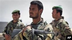 سیګار وايي که افغان امنیتي ځواکونو ته په ژمي کې ګرمې جامې ونه رسول شي پوځي عملیات به یې اغیزمن شي.
