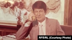 """Samandar Qoqonov, dubbed by his supporters as """"Uzbekistan's longest-held political prisoner,"""" was arrested in July 1993. Officials said Qoqonov, 72, a former parliament member, was to be released on October 6 after serving 23 years on embezzlement charges"""