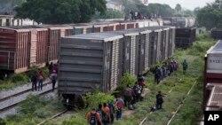 [Foto: Archivo] La llamada Caminata del Migrante partió de la ciudad San Pedro de Sula y esperan llegar a EE.UU. escapando de la pobreza y la violencia.