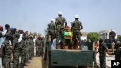 A Guiné vive anos de instabilidade política devido a golpes militares e tráfico de narcóticos. Em 2009, o presidente Nino Vieira e o chefe militar Tagmé na Waie foram assassinados, em aparentes ajustes de contas (foto de arquivo)