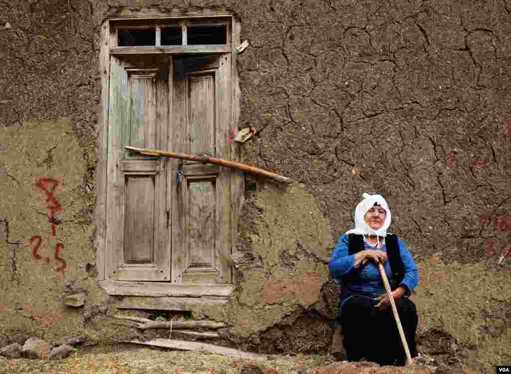 زن روستایی عکس: مصطفی نوده (ارسالی شما)