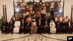 Los líderes árabes reunidos en una cumbre en Bagdad, apoyaron el plan de paz para Siria elaborado por Kofi Annan.
