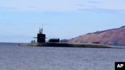 一艘准备进入菲律宾马尼拉苏比克自由港的美国海军俄亥俄级战略核潜艇。(2014年3月25日)