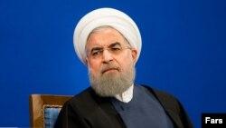 حسن روحانی در کارزار انتخاباتی تلاش داشت شرایط قبل از خود را به یاد رای دهندگان بیاورد.