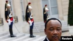 Les opposants accusent le président nigérien, Mahamadou Issoufou, de provoquer des scissions au sein de leurs partis.